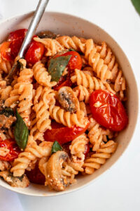Baked goat cheese pasta