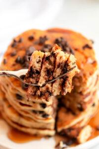 chocolate chip pancakes calories