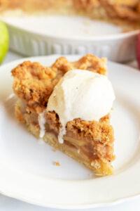oatmeal apple crumble pie
